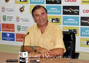 José Antonio Asián entiende que hay que pasar página y animar a los jugadores para vencer a La Palma