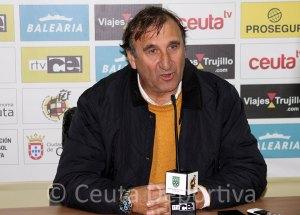 José Antonio Asián, este domingo en la sala de prensa del Alfonso Murube