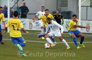El Ceuta supo sufrir ante el CMD San Juan para sumar los tres puntos