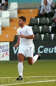 Hosni, saltando al terreno de juego del estadio Alfonso Murube