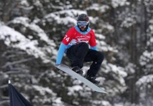 Regino Hernández es uno de los tres integrantes del equipo español de snowboard cross