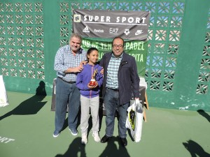 Liriah Mohamed, campeona en junior e infantil mixto, junto a Manolo Coronado y Hamido Dris