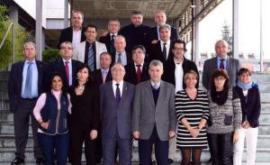 Ángel María Villar, presidente de la RFEF, con los integrantes de la Comisión Nacional de Fútbol Femenino