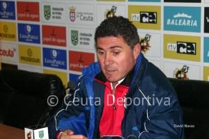 Alonso Ramírez prefiere no hace cuentas aún, pero apunta que el Ceuta volverá a tropezar lejos de casa