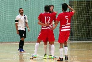 Mohamed -izquierda- ha caído lesionado en la jugada del segundo gol almeriense y ya no ha podido jugar más