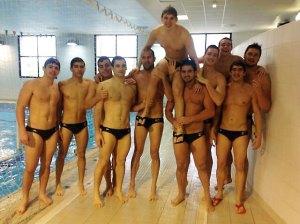 Los jugadores del conjunto ceutí han continuado con las celebraciones fuera del agua