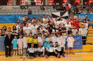 Las selecciones benjamín y alevín de fútbol sala contaron con el respaldo de familiares desplazados a la provincia de Almería