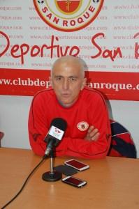 Manolo Muiño, uno de los técnicos del CD San Roque, espera que su equipo ofrezca su mejor cara
