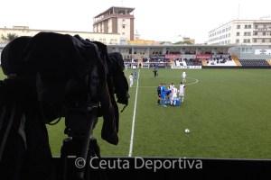 Los aficionados del Ceuta podrán ver el estreno de su equipo en diferido por RTVCE