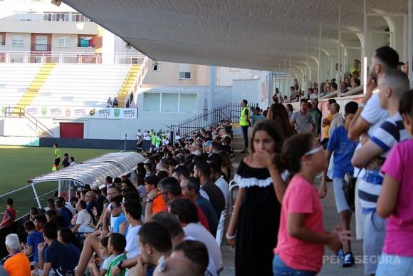 El público podrá entrar a ver los partidos del Ceuta, aunque con aforo reducido