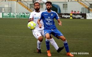 Víctor González espera que el equipo blanco haga bueno el empate en Conil con un triunfo en casa