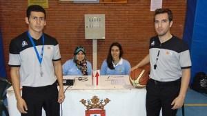 Mounir Haddy, a la izquierda, el joven árbitro de baloncesto fallecido