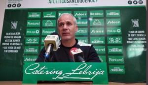 Falete, en su etapa como entrenador del Sanluqueño
