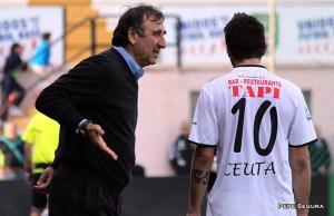 Asián, en su etapa como entrenador del Ceuta