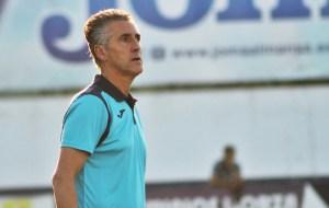 Alejandro Ceballos seguirá dirigiendo al Castilleja en su retorno a Tercera División