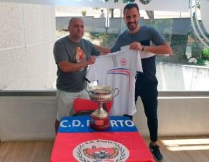 Javi Castillo y Javier Salinas, con el nuevo polo del Puerto