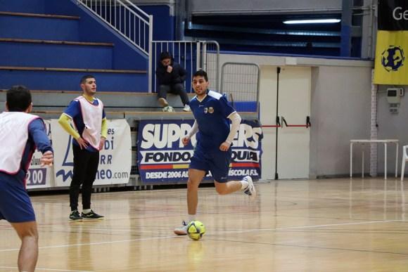 El jugador ceutí Tuli, durante un entrenamiento con el Peñíscola