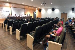 Un momento de la reunión de este miércoles en la Ciudad del Fútbol de Ceuta / Foto: FFCE
