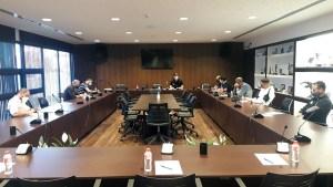 Un momento de la reunión celebrada en la sede de la Federación de Fútbol de Ceuta / Foto: FFCE