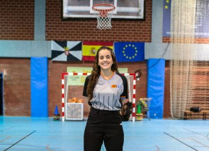 La árbitra ceutí de baloncesto Sucaina Hamed
