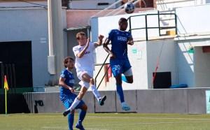 Pablo García, en pleno salto con Edet / Foto: Pepe Segura