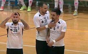 Saúl celebra su gol en presencia de Sufian y Rubén