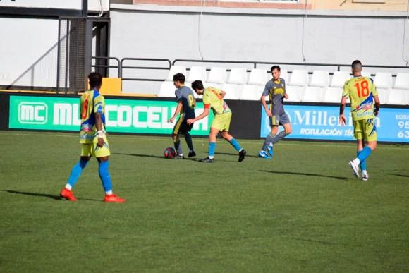 Un lance del Polillas - Cádiz disputado este sábado en el estadio Alfonso Murube
