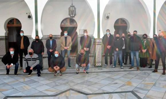 La comitiva federativa, en la Mezquita Mehdi El Mulay / Foto: FFCE