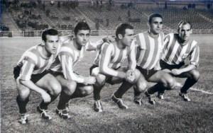 Anta, segundo por la derecha, con varios compañeros del histórico Atlético de Ceuta