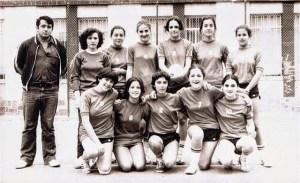 Juan Duarte, con uno de sus equipos femeninos