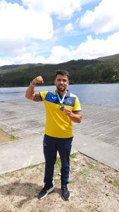 José Luis Gómez, con su medalla de plata