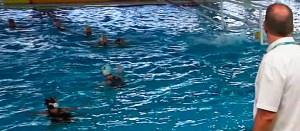 La imagen muestra como el lanzamiento de Lorena Miranda entra en la portería del Tenerife