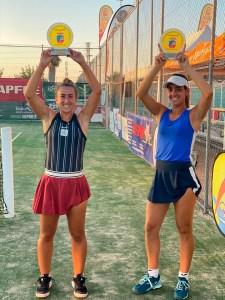 Olga Parres y Lucía Cortez, tras ganar en Don Benito