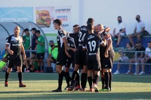 Los jugadores del filial caballa celebran otro gol de Taufek / Foto: DeportesCG.es