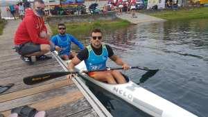 Gómez y Bargaoanu, con el presidente de Los Delfines, Víctor López