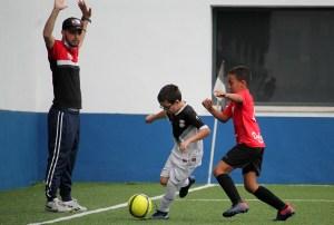 El título de Entrenador UEFA C es necesario para entrenar desde prebenjamín a juvenil / Foto: FFCE