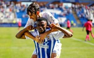 Jugadores del Recre celebran el segundo de sus goles ante el Ceuta B / Foto: Huelva Hoy