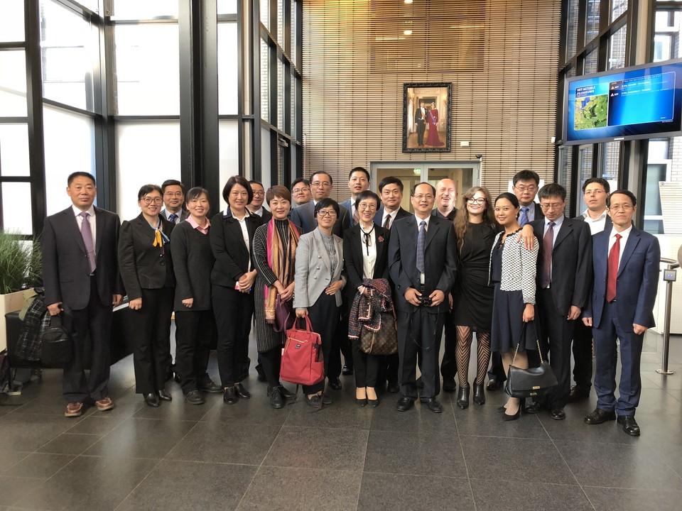 Bedrijfsbezoek aan het NVWA samen met Jiangsu FDA Jiangsu FDA
