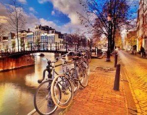 离开荷兰后才发现:鬼地方,我是那么的想念你 bikes 300x235