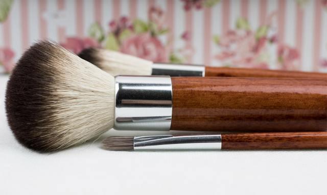 a set of makeup brush