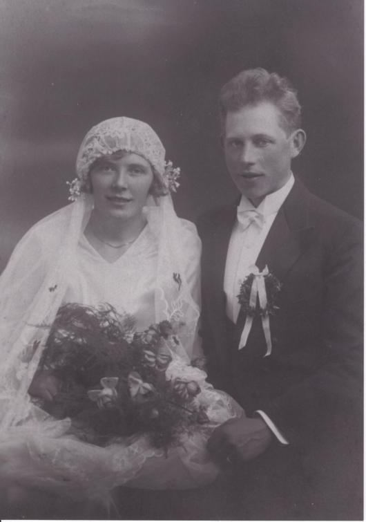 Bröllopsfotot Stina och Ivar Nilsson i Gödelöv