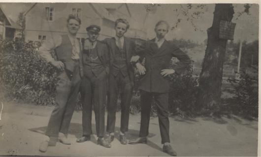 Ivar Nilsson med bröder i Flädie