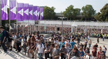 What It's Like to Cover Gamescom as a Journalist - 2015-08-14 12:50:14