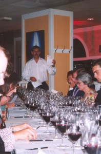 Mike Monnin leads the blind tasting