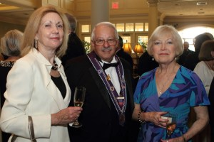 Judith Kenniston, Chevalier Tom Burdin, Dorothy Burdin