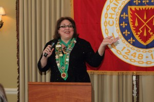Chambellan Provincial Midwest/Indianapolis Bailli Renee Wilmeth conducted her first induction