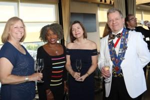 Jan Smith, Denise Davis, Jeane Elliott, Chargé de Presse Provincial Honoraire J.T. Mayer