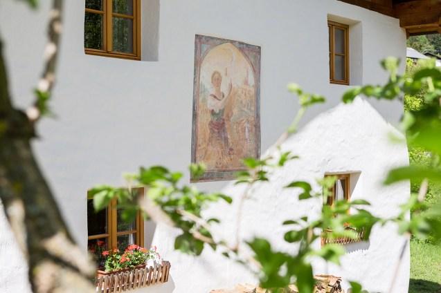 Gemälde an der Hausmauer