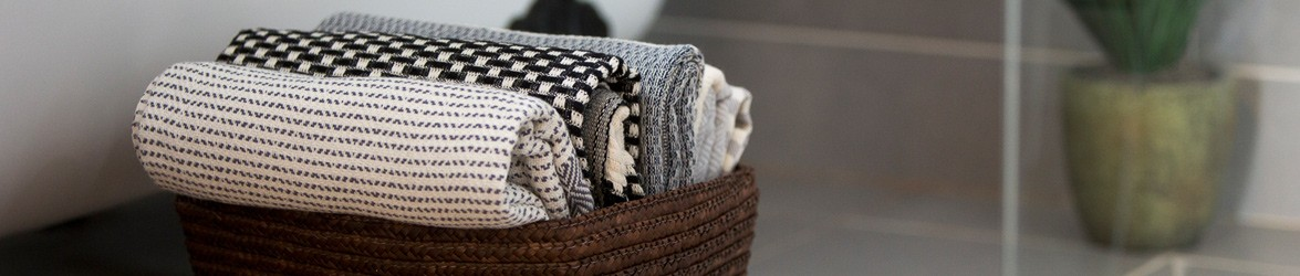 Luks Linen pesthemal towels, Turkish blankets and throws are ethical and hand made in 100% natural cotton by family ateliers in Turkey.