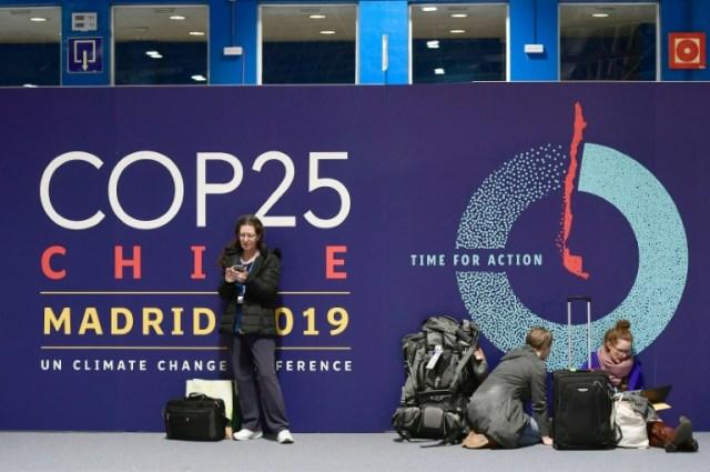 Un panneau COP25 à la veille de l'ouverture de la 25ème conférence de l'ONU sur le climat le 1er décembre 2019 à Madrid (AFP/Archives - CRISTINA QUICLER)